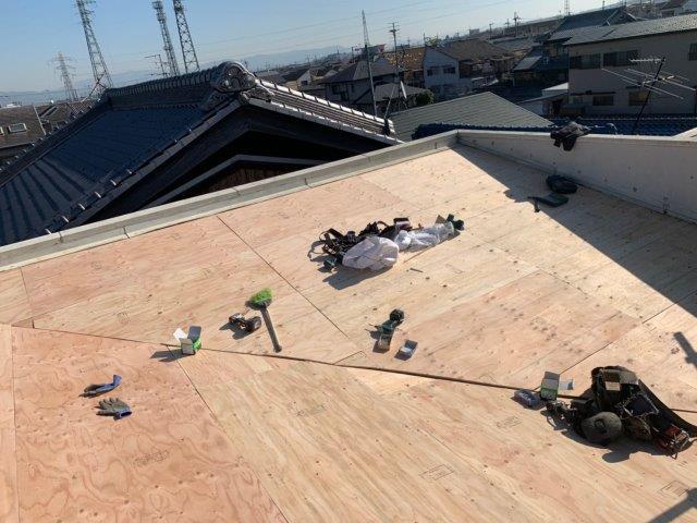 ②屋根カバー工法 野地板貼り