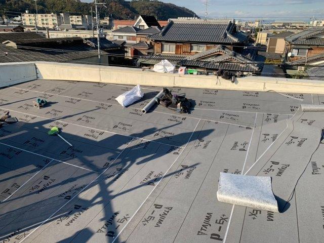 ③屋根カバー工法 防水シート敷設
