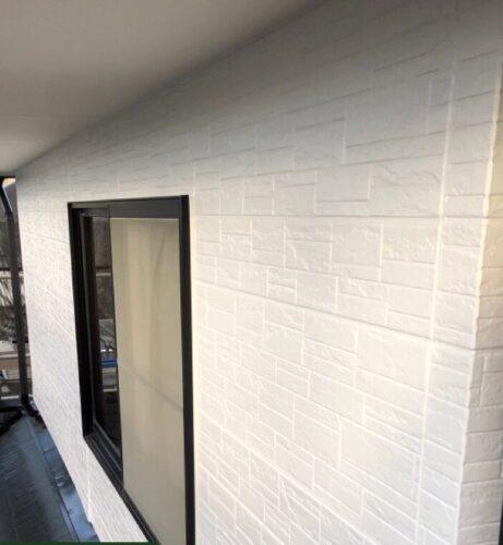 白色の外壁塗装
