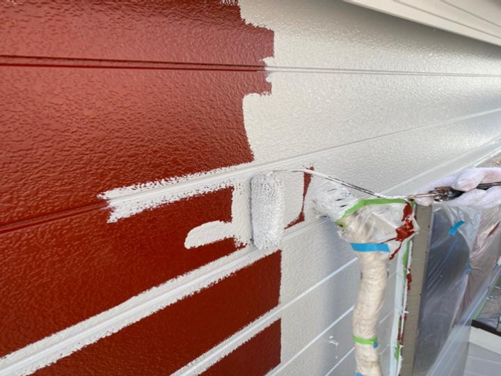 金属サイディング 塗装 下塗り→上塗り1回目